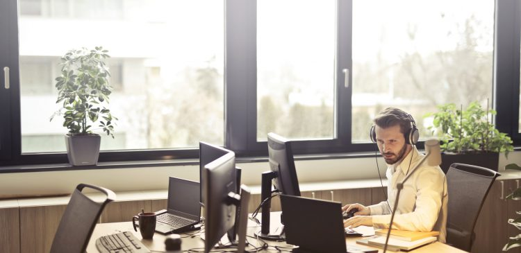5 departments in your company that can benefit from call recording